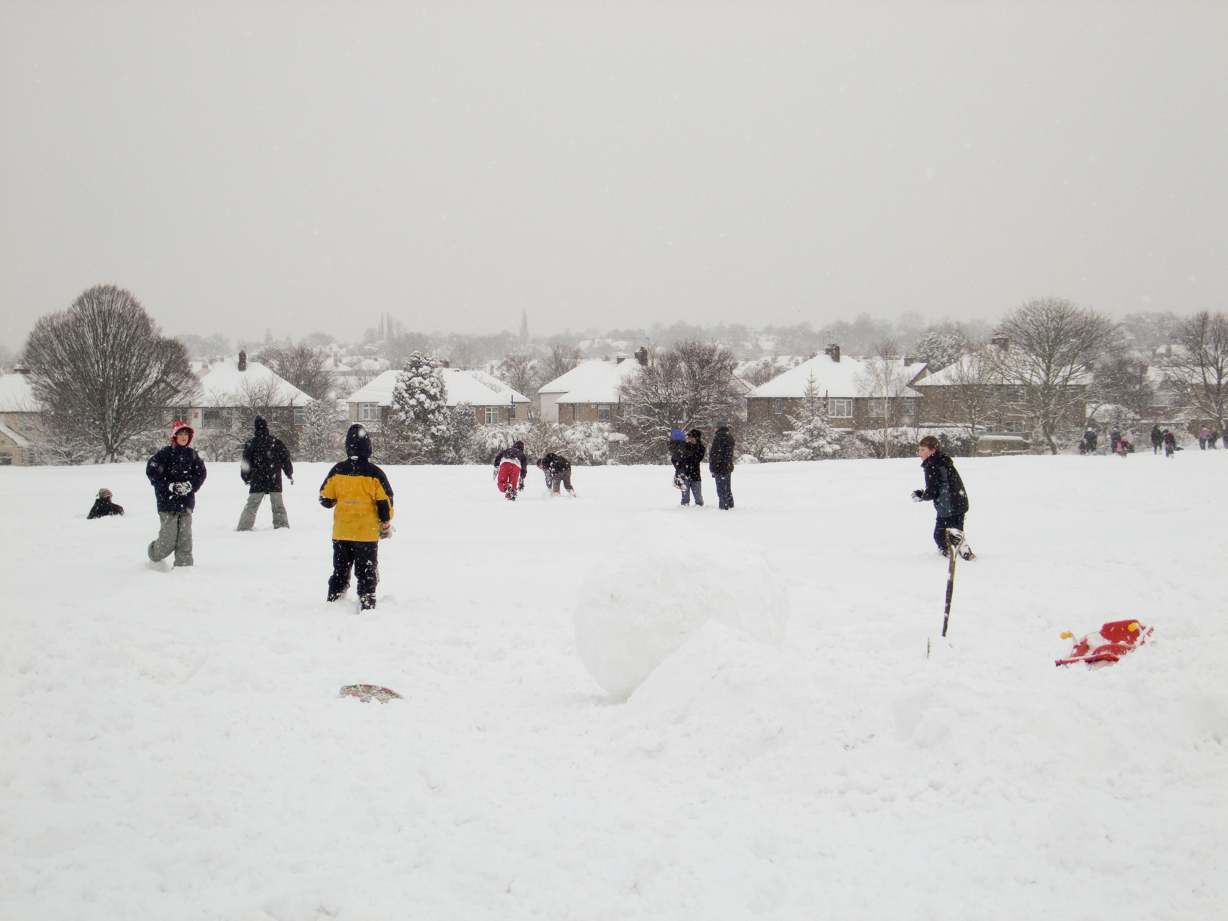 snowmen and snow forts in 2009