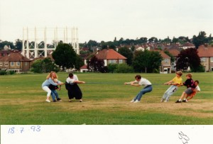 1993jul18 di brickfield photos_tug war